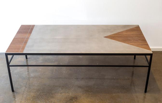 שולחן סלון מלבני בשילוב מתכת עץ ובטון