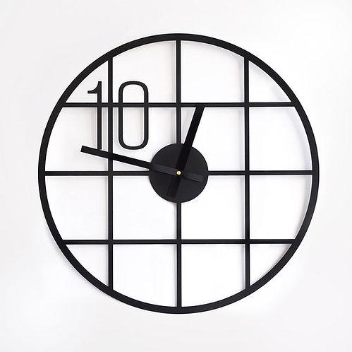 שעון נורדי מנימליסטי עם הספרה 10