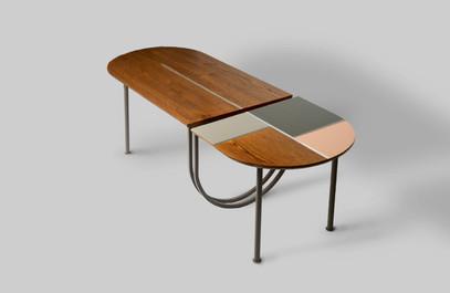 שולחן מחולק עץ