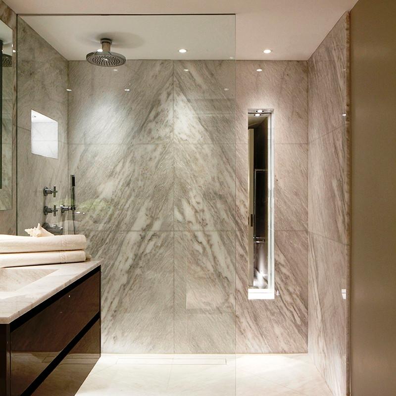 aplicación de las luminarias para baños