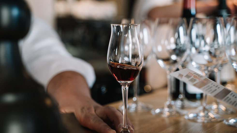 Saulains ceļojums Spānijas un Portugāles vīnu pasaulē