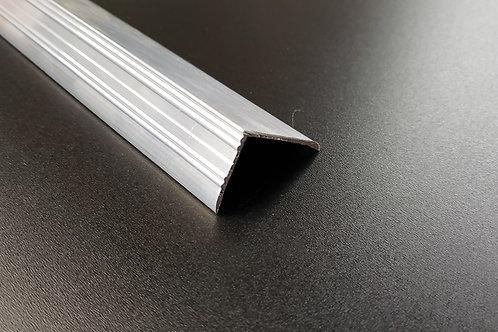 L-Metal / Step-Nosing