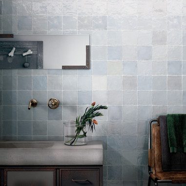 LA RIVIERA 132x132 Lavanda Blue_Bath.jpg