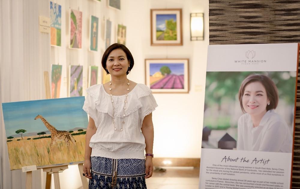 """Serey Chea, durante su exhibición de arte """"Interludio"""""""