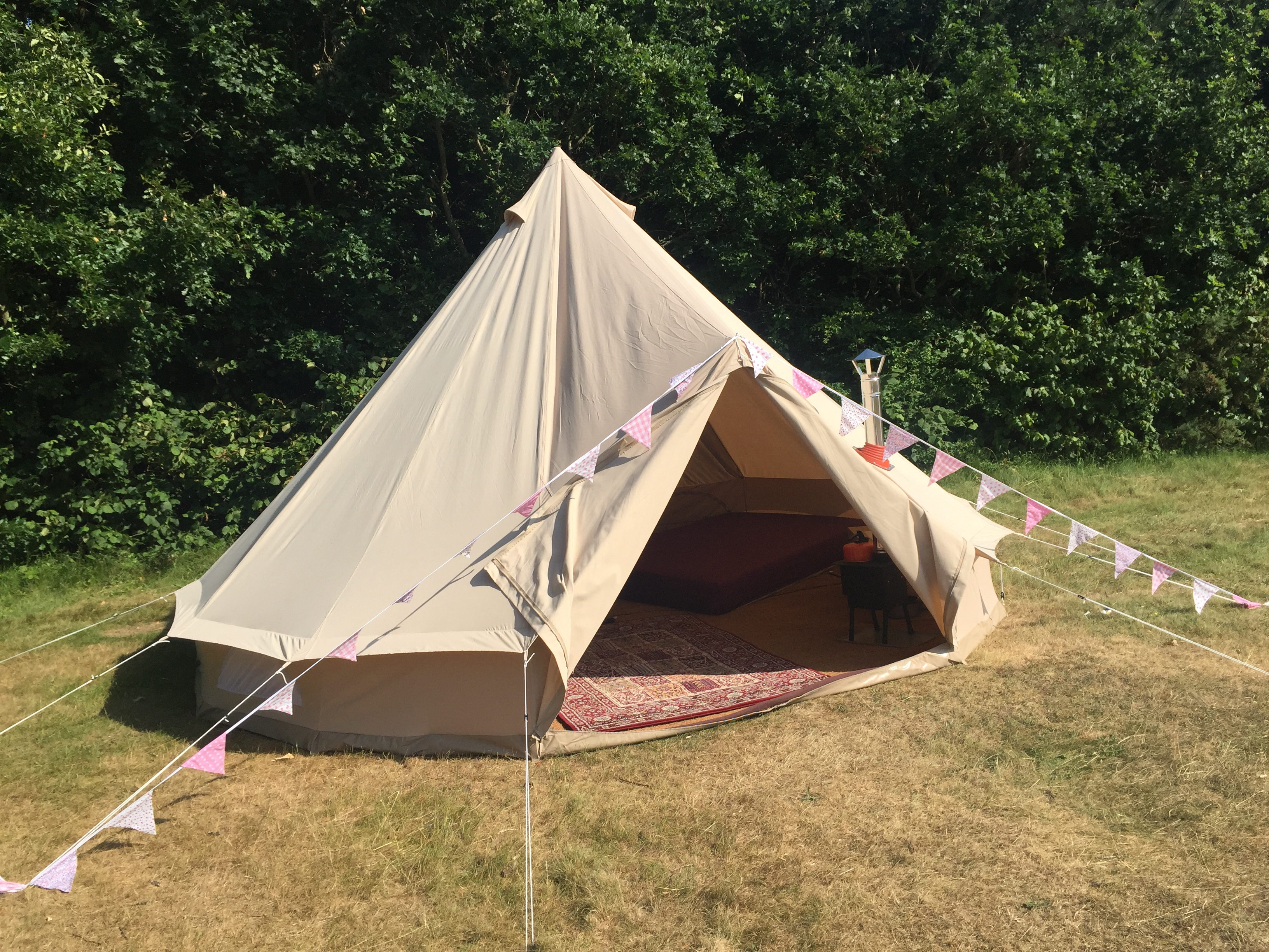 Bell Tent 2 & Cabins - Tents Booking | Bell Tent Glamping