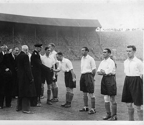 Wembley 14th October - {Mercer Family}.j