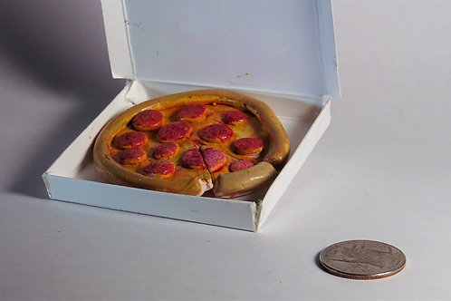Munroe Marquardt - Pizza sculpture mini