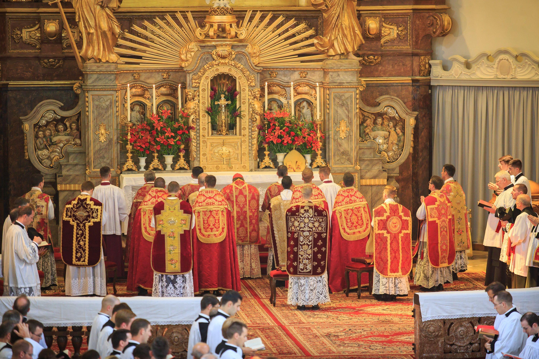 Hochamt zur Priesterweihe