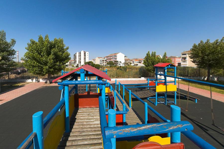 parque_infantil2_2_comboio