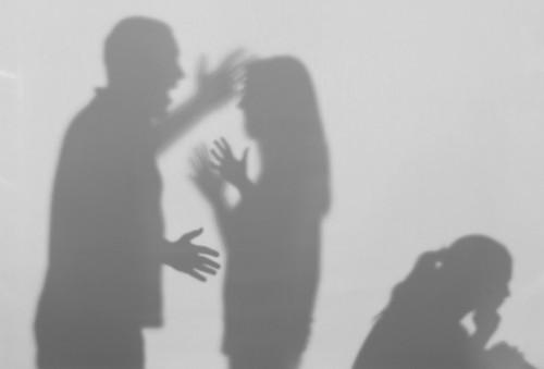 Gelosia e possesso: cosa Non diciamo alle nostre figlie