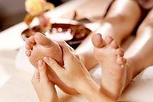 le-massage-des-pieds-un-soin-antistress-