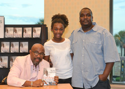 Paster Rudy book signing -0384.jpg
