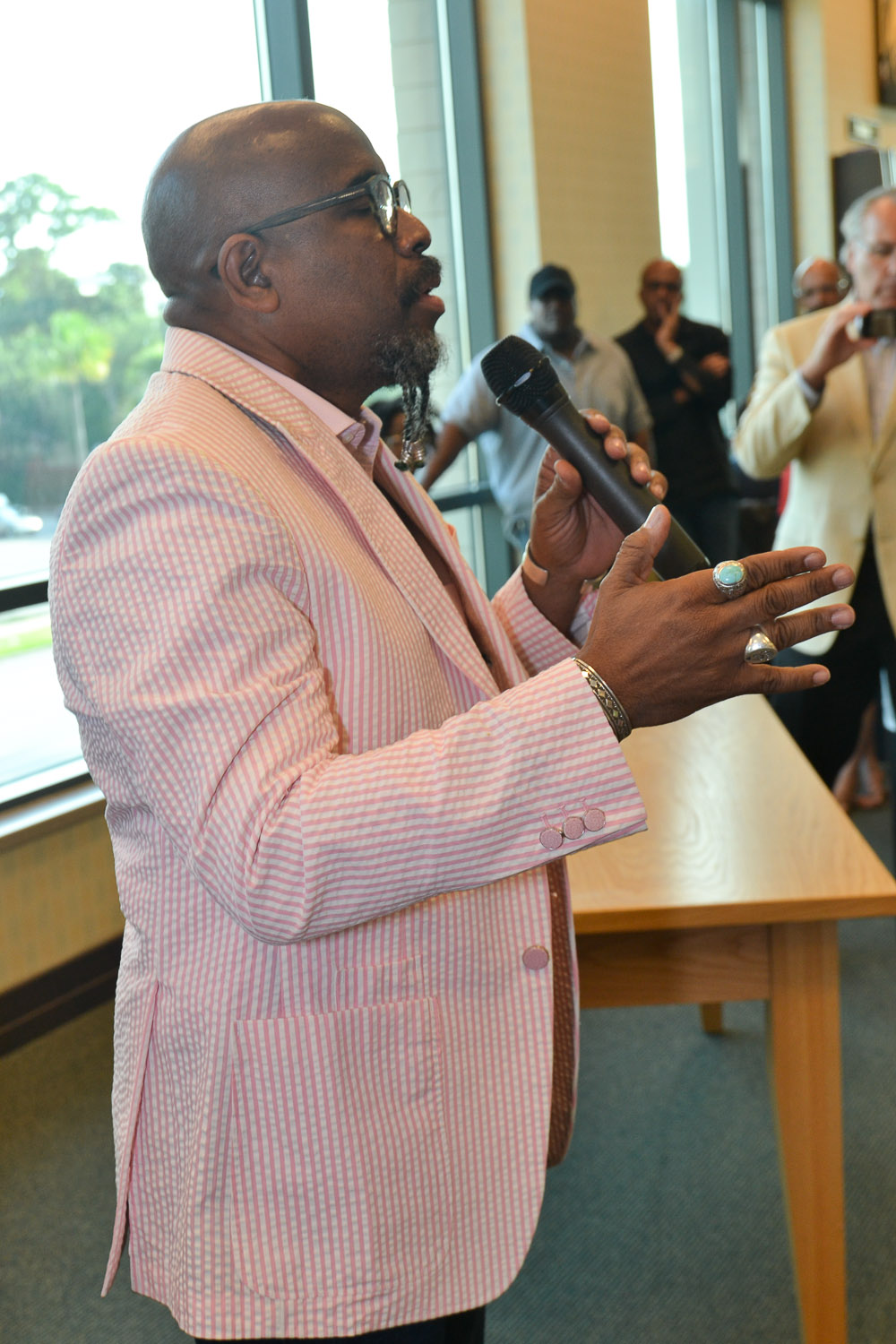 Paster Rudy book signing -0066.jpg
