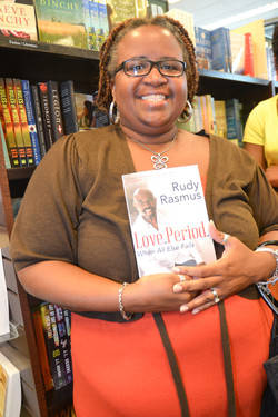 Paster Rudy book signing -0201.jpg