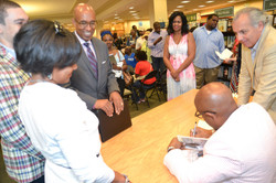 Paster Rudy book signing -0325.jpg