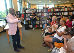 Paster Rudy book signing -0087.jpg