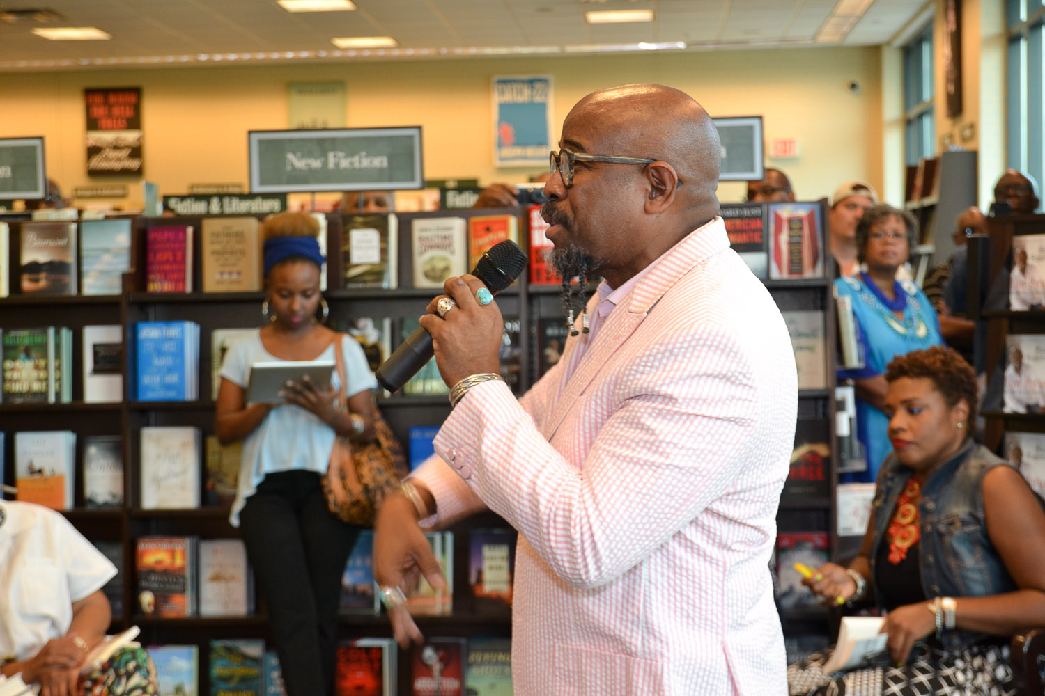 Paster Rudy book signing -0101.jpg