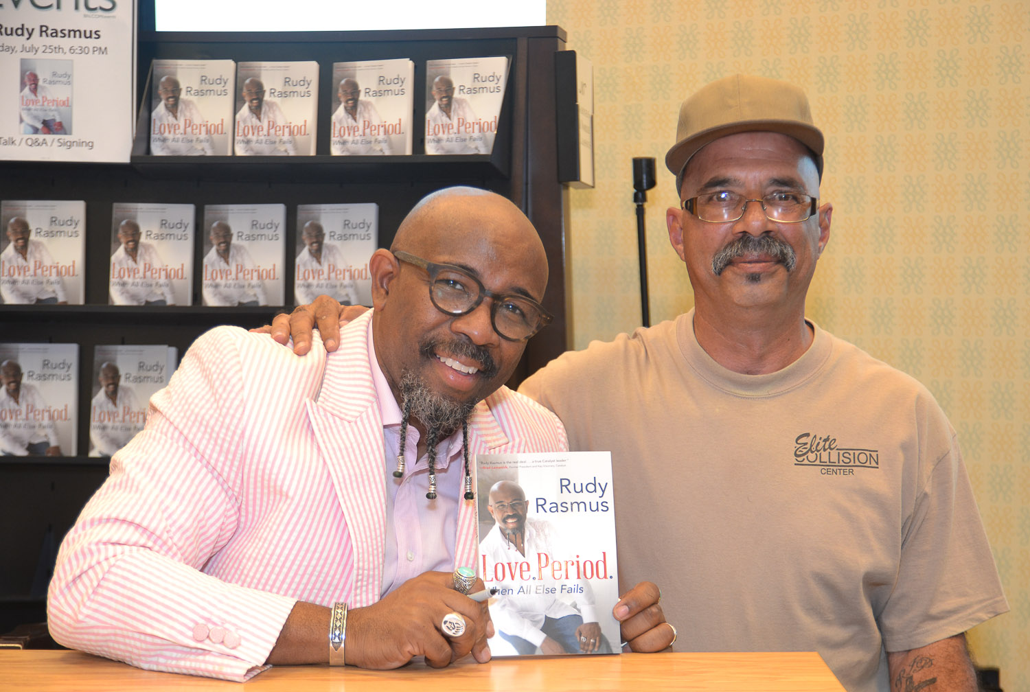 Paster Rudy book signing -0366.jpg