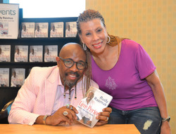 Paster Rudy book signing -0264.jpg