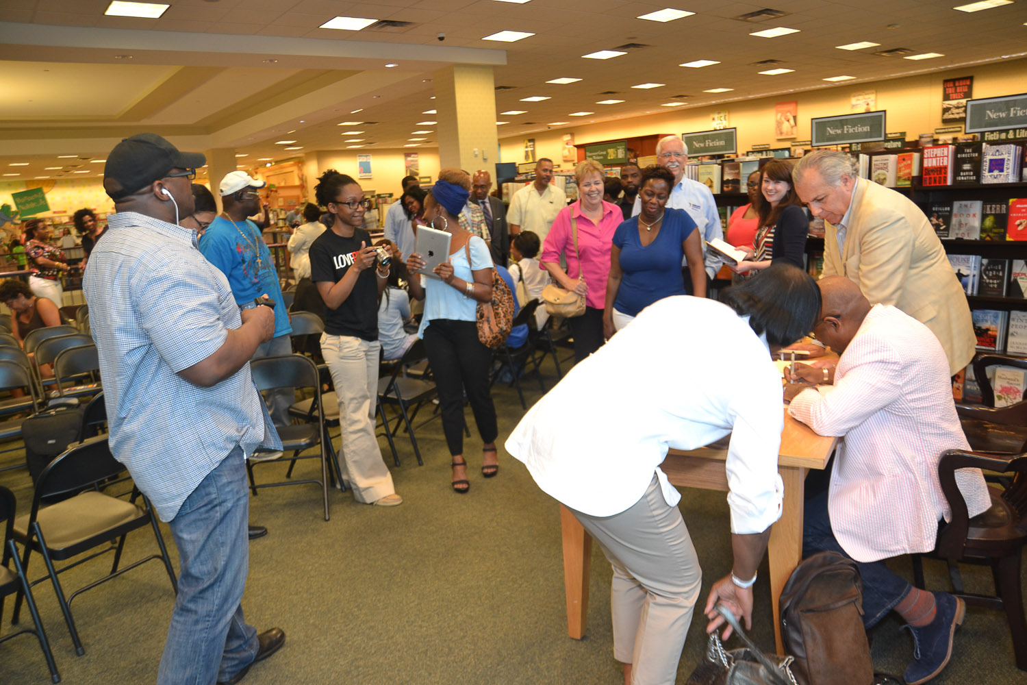 Paster Rudy book signing -0305.jpg