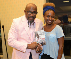 Paster Rudy book signing -0438.jpg