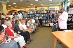 Paster Rudy book signing -0103.jpg