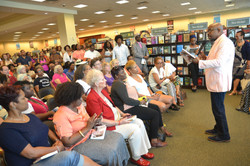 Paster Rudy book signing -0118.jpg