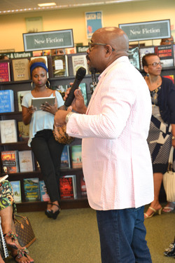 Paster Rudy book signing -0124.jpg