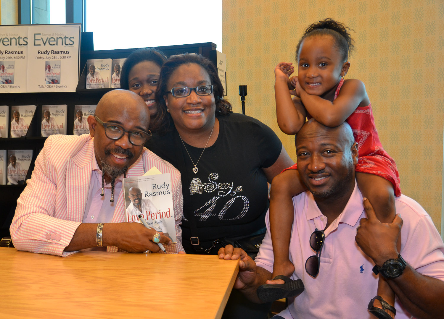 Paster Rudy book signing -0295.jpg