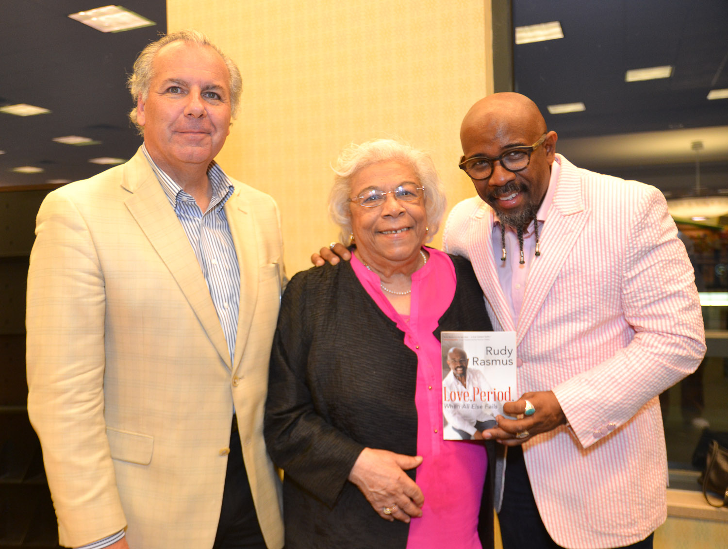 Paster Rudy book signing -0432.jpg