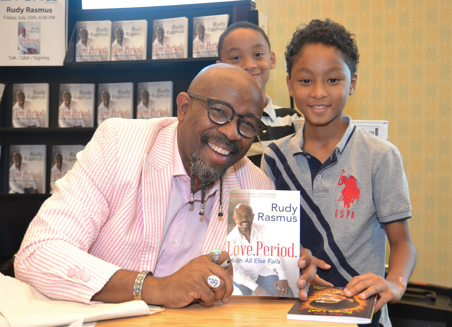 Paster Rudy book signing -0230.jpg