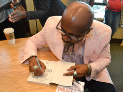 Paster Rudy book signing -0141.jpg
