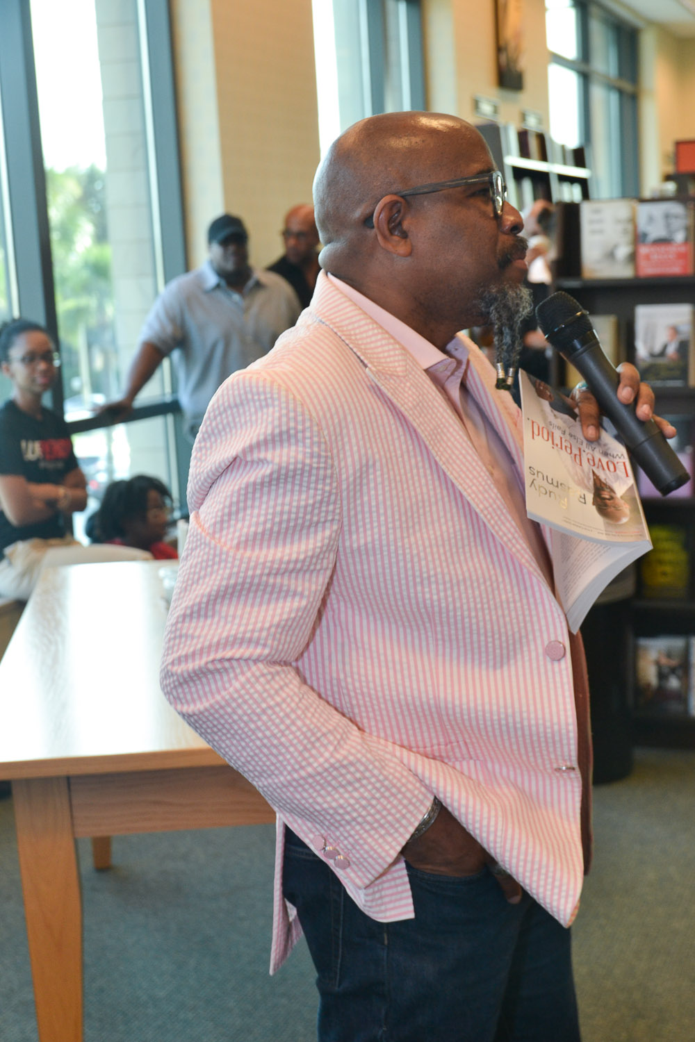 Paster Rudy book signing -0079.jpg