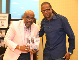 Paster Rudy book signing -0395.jpg
