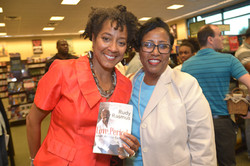 Paster Rudy book signing -0365.jpg
