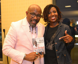 Paster Rudy book signing -0437.jpg