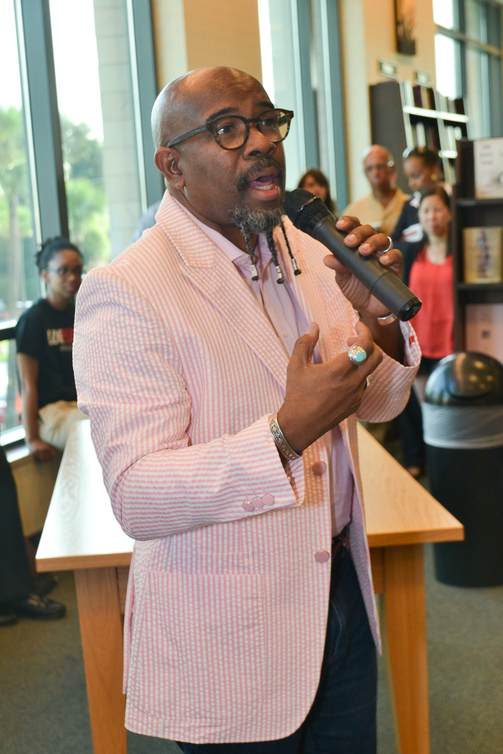 Paster Rudy book signing -0073.jpg