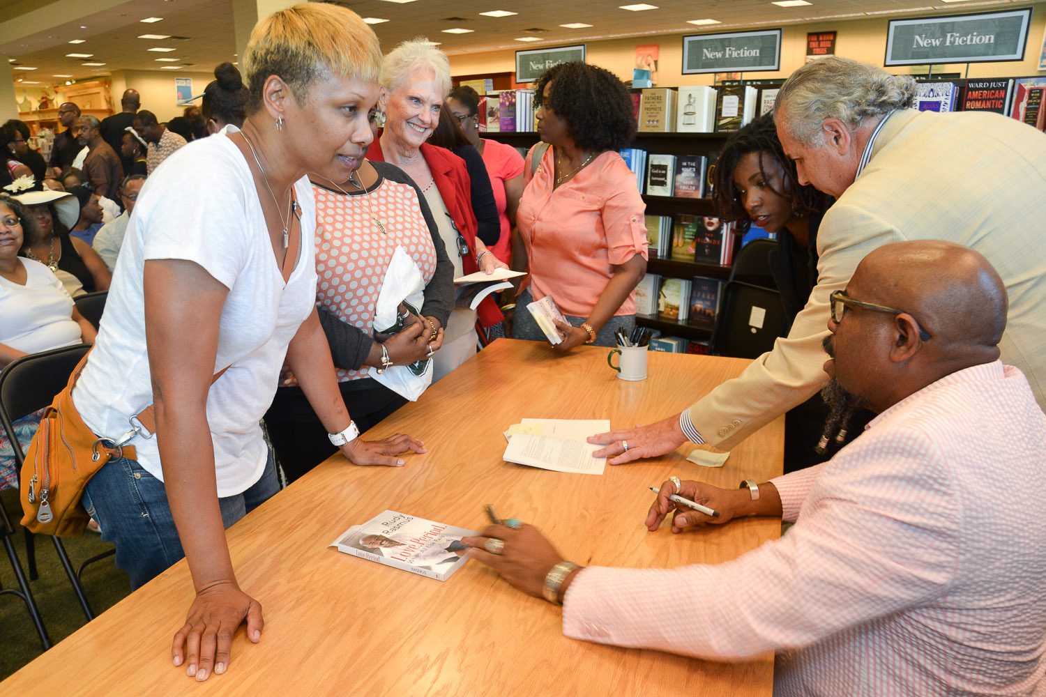 Paster Rudy book signing -0150.jpg