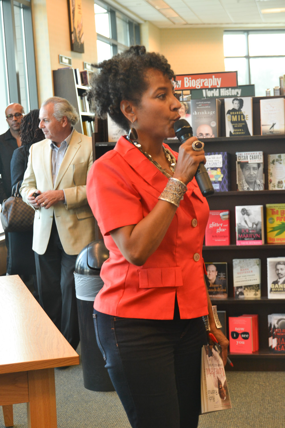 Paster Rudy book signing -0057.jpg