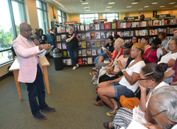 Paster Rudy book signing -0085.jpg