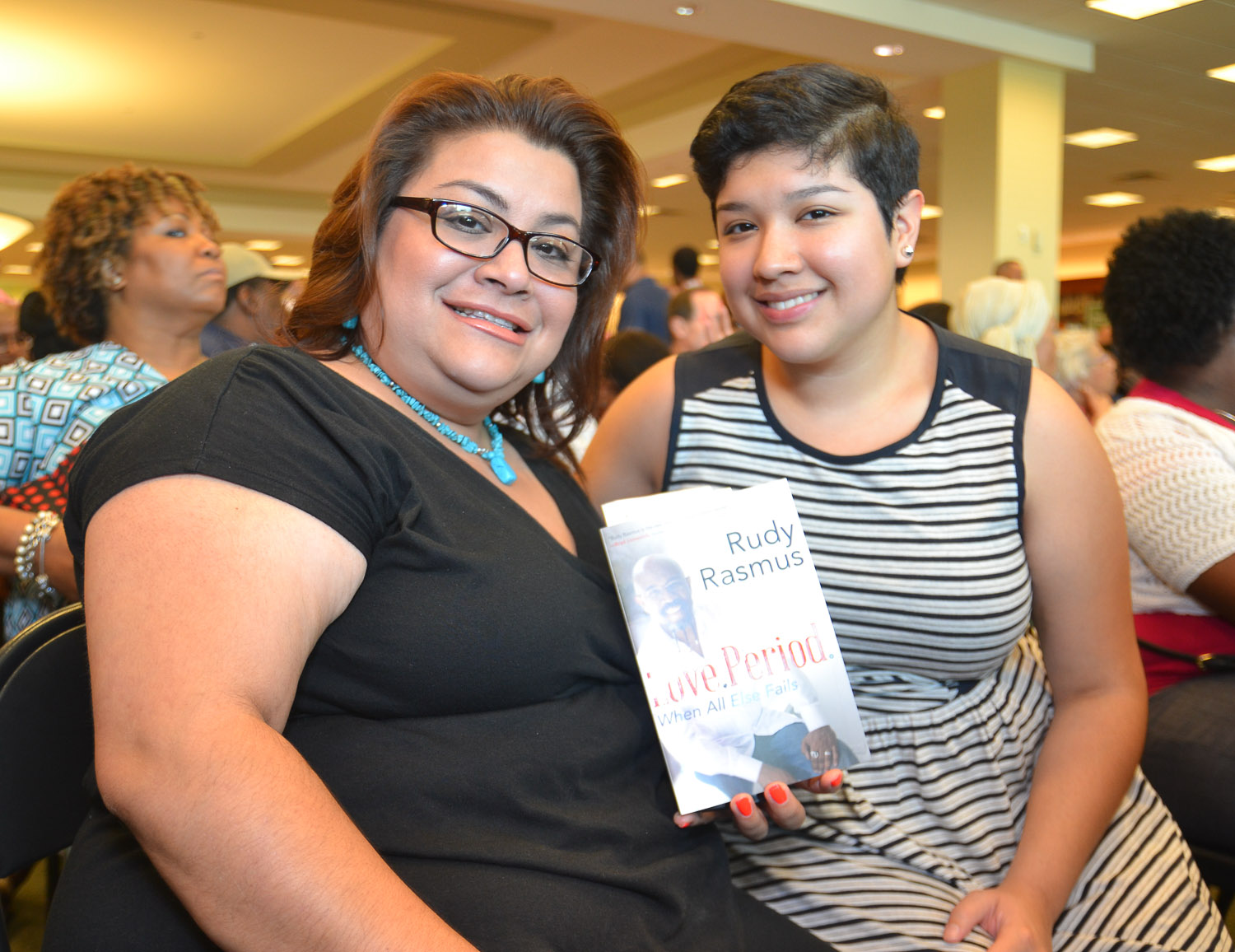 Paster Rudy book signing -0044.jpg