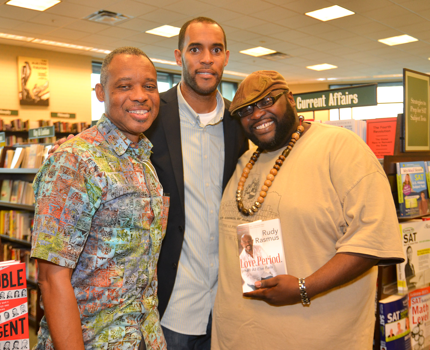 Paster Rudy book signing -0287.jpg