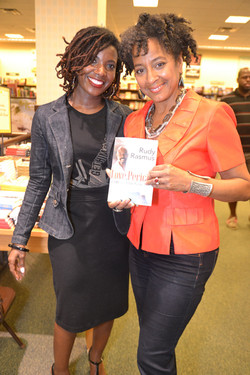 Paster Rudy book signing -0360.jpg