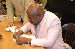 Paster Rudy book signing -0400.jpg