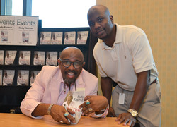 Paster Rudy book signing -0245.jpg