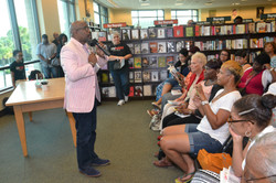 Paster Rudy book signing -0088.jpg