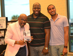 Paster Rudy book signing -0390.jpg