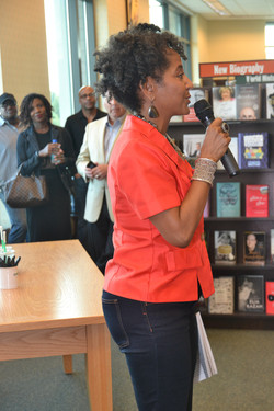 Paster Rudy book signing -0053.jpg