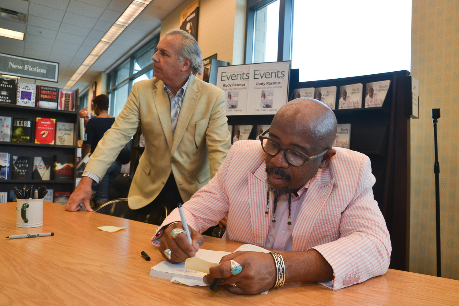 Paster Rudy book signing -0181.jpg