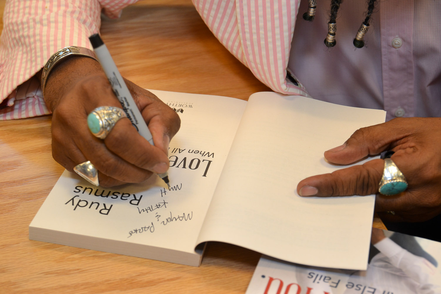 Paster Rudy book signing -0139.jpg